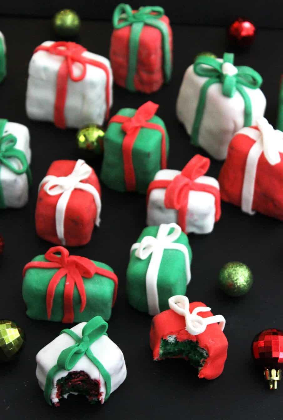 Christmas-Present-Cakes