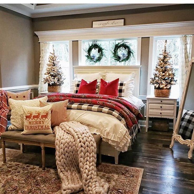 Christmas-Trees-on-the-Nightstand