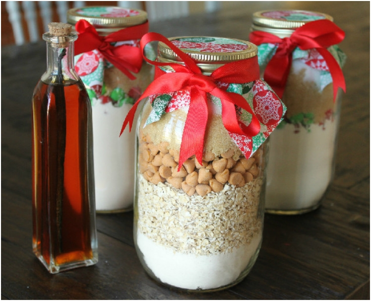 Cookies-in-a-Jar-with-Home-Made-Vanilla-Extract