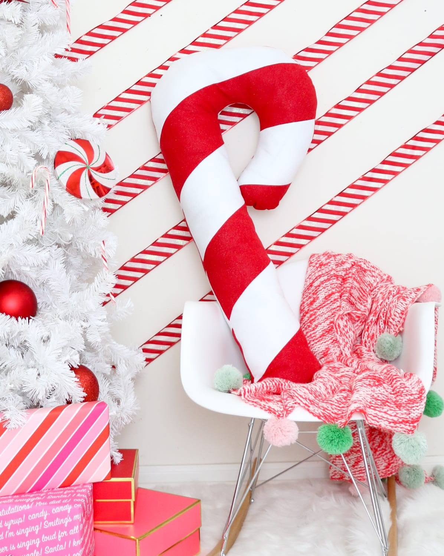 DIY-Christmas-Pillows5