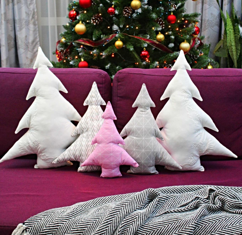DIY-Christmas-Pillows6