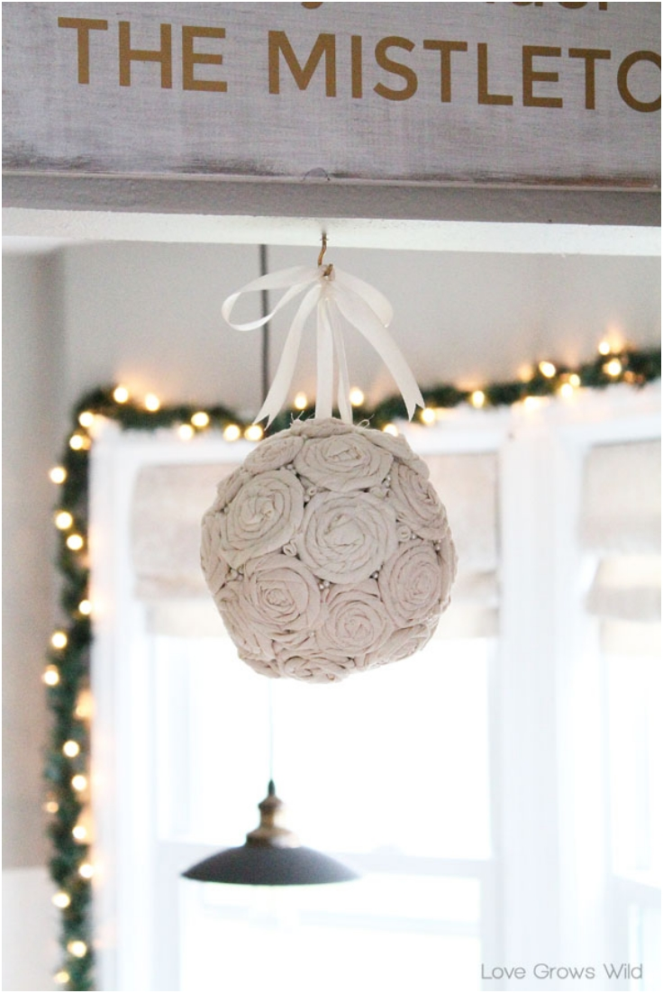 DIY-Fabric-Mistletoe-Ball