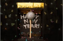 "Top 10 DIY New Year's Eve ""Ball Drop"" Decorations 