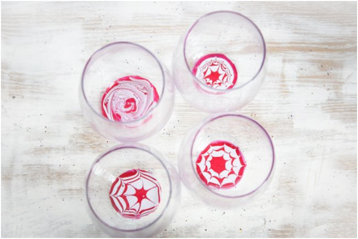 DIY PEPPERMINT MARBLED GLASSES