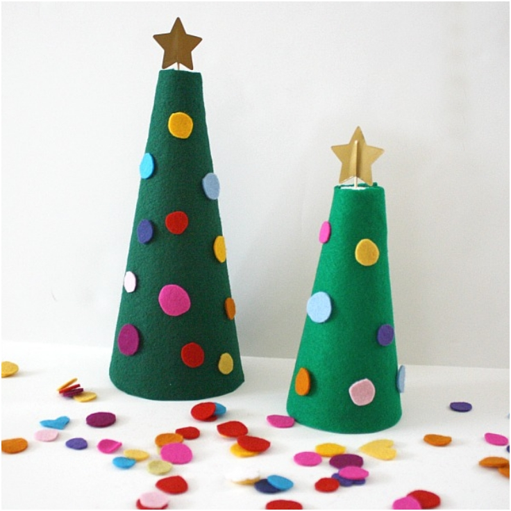 Decorate-the-Felt-Christmas-Tree