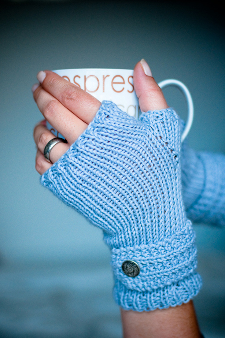 Easy Mitten Knitting Pattern Free : Easy Knitted Fingerless Gloves Car Interior Design