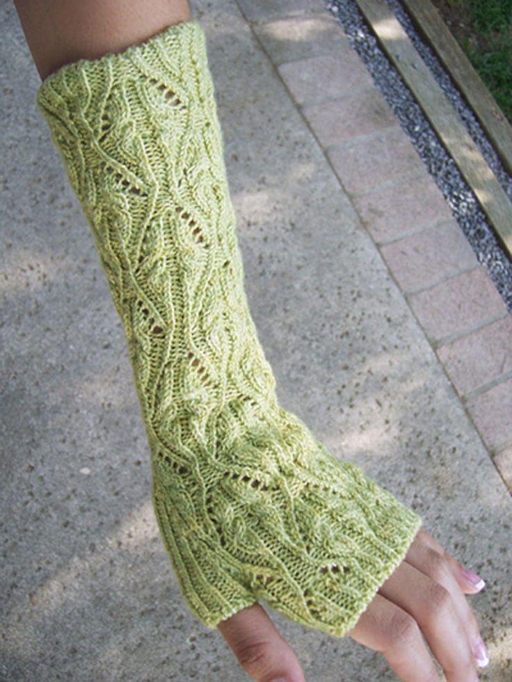Free Knitting Patterns For Gloves : Top 10 Free Patterns for Knitting Fingerless Mittens - Top Inspired