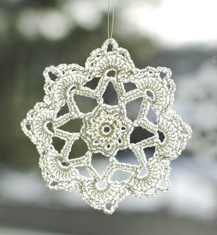 Free-Patterns-Crocheted-Snowflakes_08