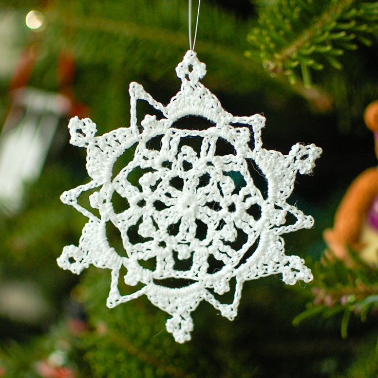 Crochet Snowflake Patterns Free Easy : Top 10 Free Patterns for Crocheted Snowflakes - Top Inspired