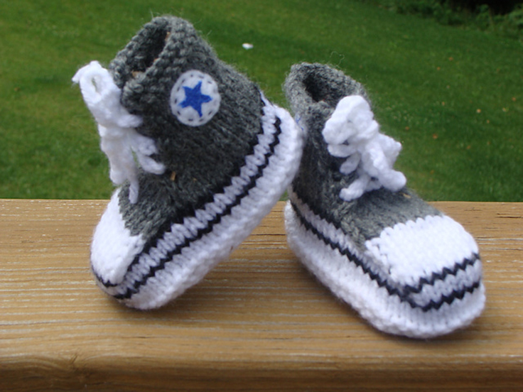 Knitting Pattern For Baby Boy Booties : Babies Booties Knitting Patterns Free