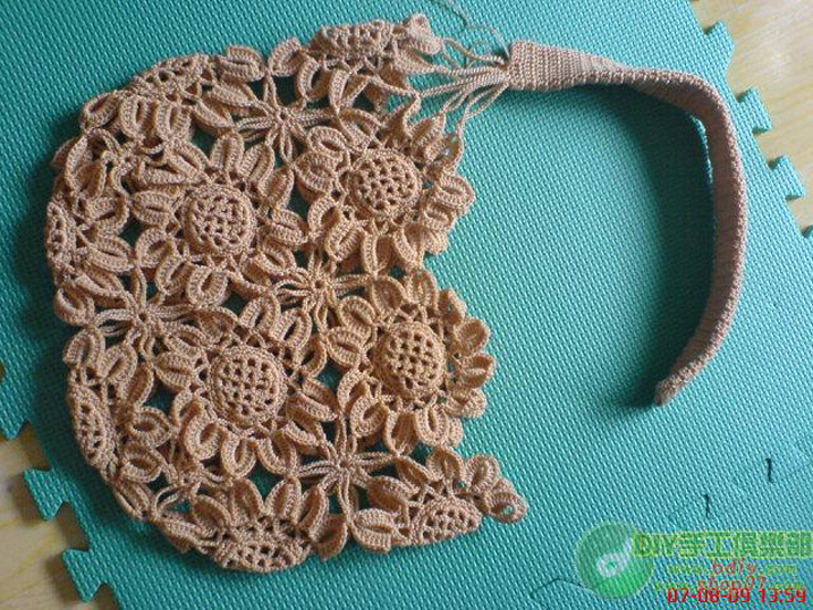 Crochet Communion Bag Pattern : Top 10 Gorgeous Crochet Patterns for Handbags - Top Inspired