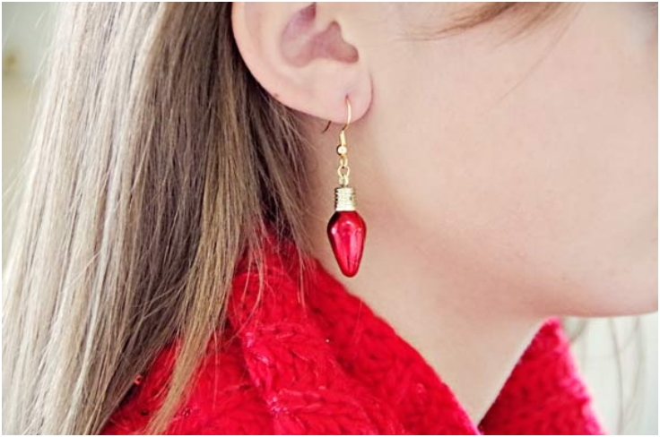 Holiday-Fashion-DIY-Christmas-Earrings