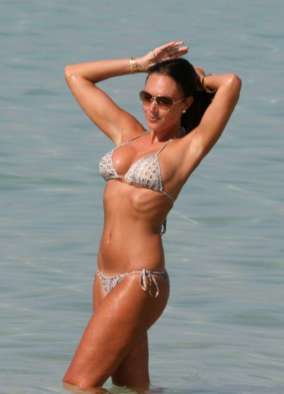 Kate-Beckinsale-in-bikini-