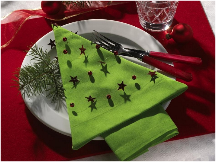 Top 10 Christmas Napkin Folding Tutorials Inspired