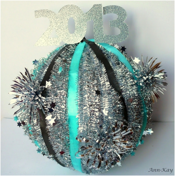 New-Years-Eve-Tinsel-Ball-Drop-Ball