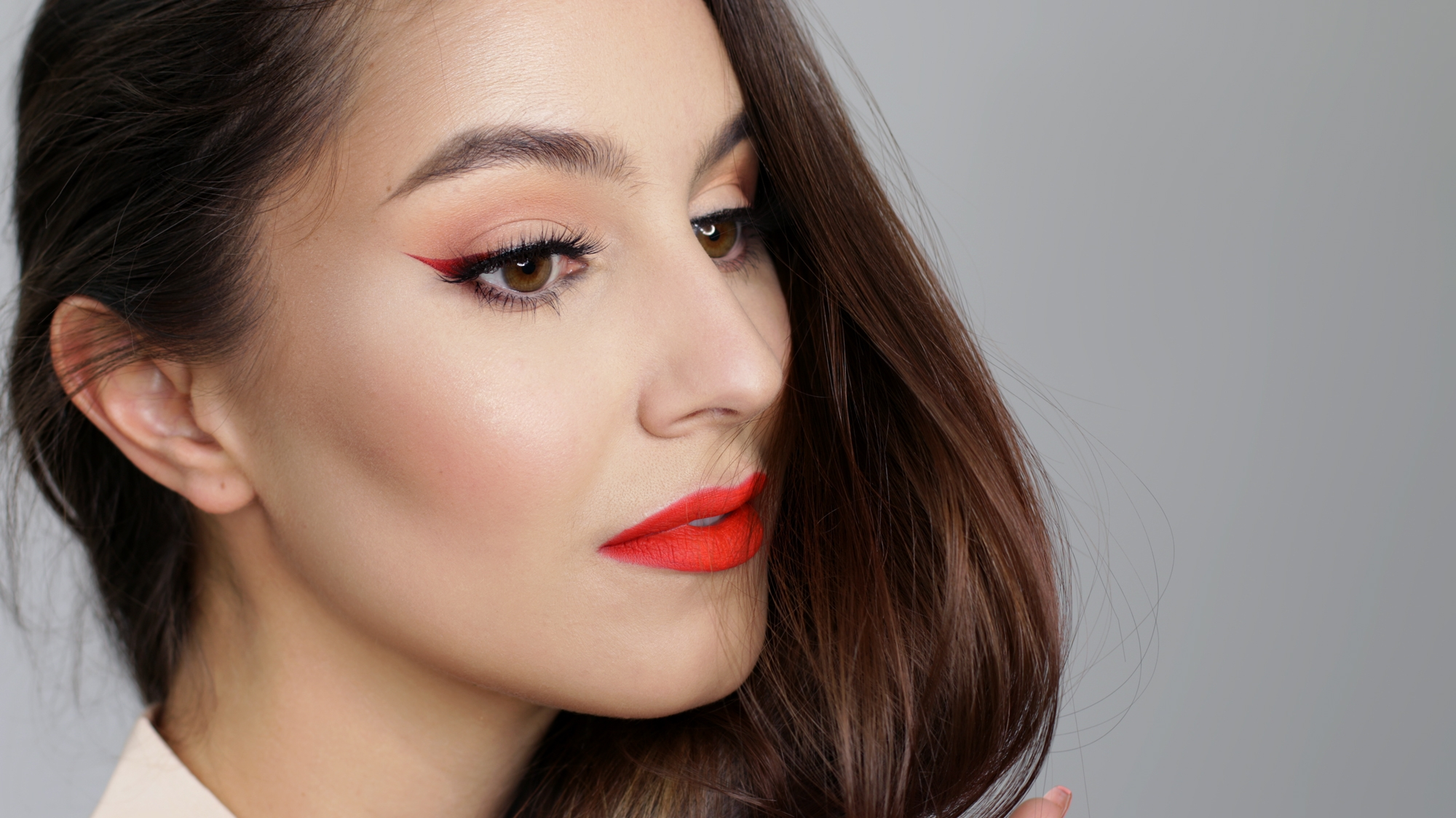 Ombre-winged-liner-red-lip-2-2000