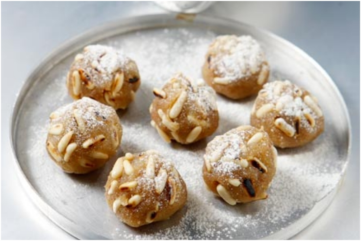 Semolina-Halva-truffles-with-pine-nuts