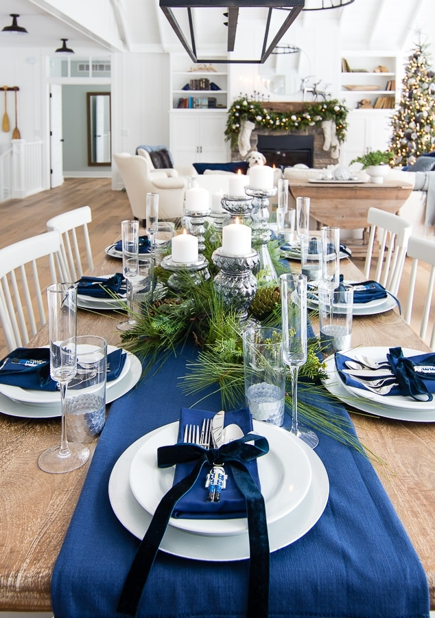 Silver-and-Navy-Christmas-Table-Setting