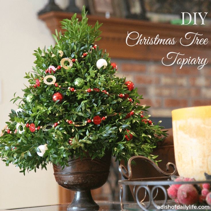 This-festive-DIY-Christmas-Tree-Topiary-is-perfect-for-holiday-decorating-and-gift-giving