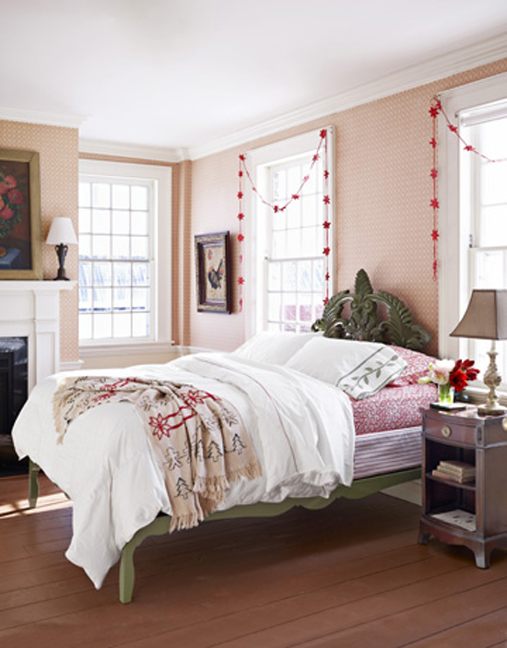 Touches-Christmas-Bedroom_08