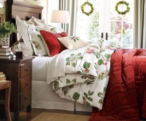 Top 10 Ideas to add a Touch of Christmas in the Bedroom