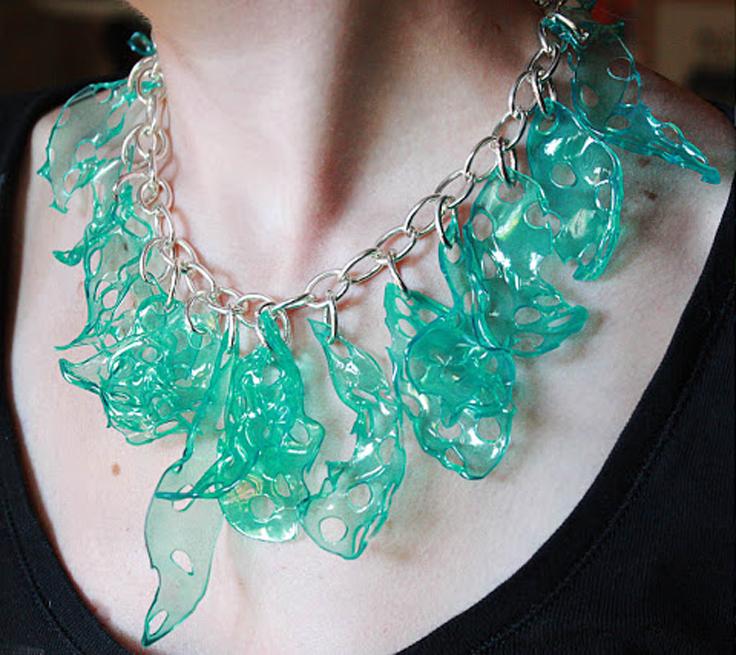 Upcycled-Plastic-Jewelry_02