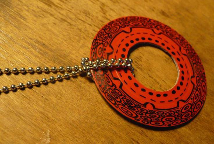 Upcycled-Plastic-Jewelry_03