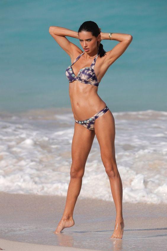 adriana-lima-in-bikini-