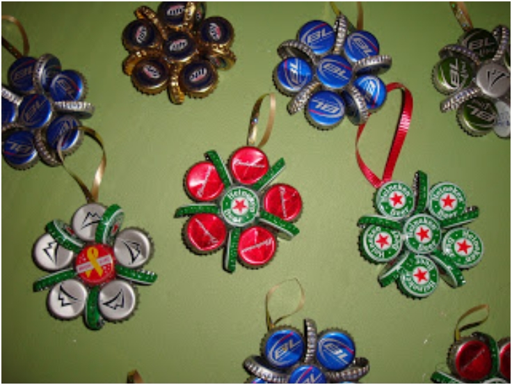 beer-bottle-cap-ornaments