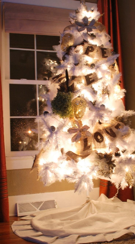 Top 10 Festive DIY Christmas Tree Skirts