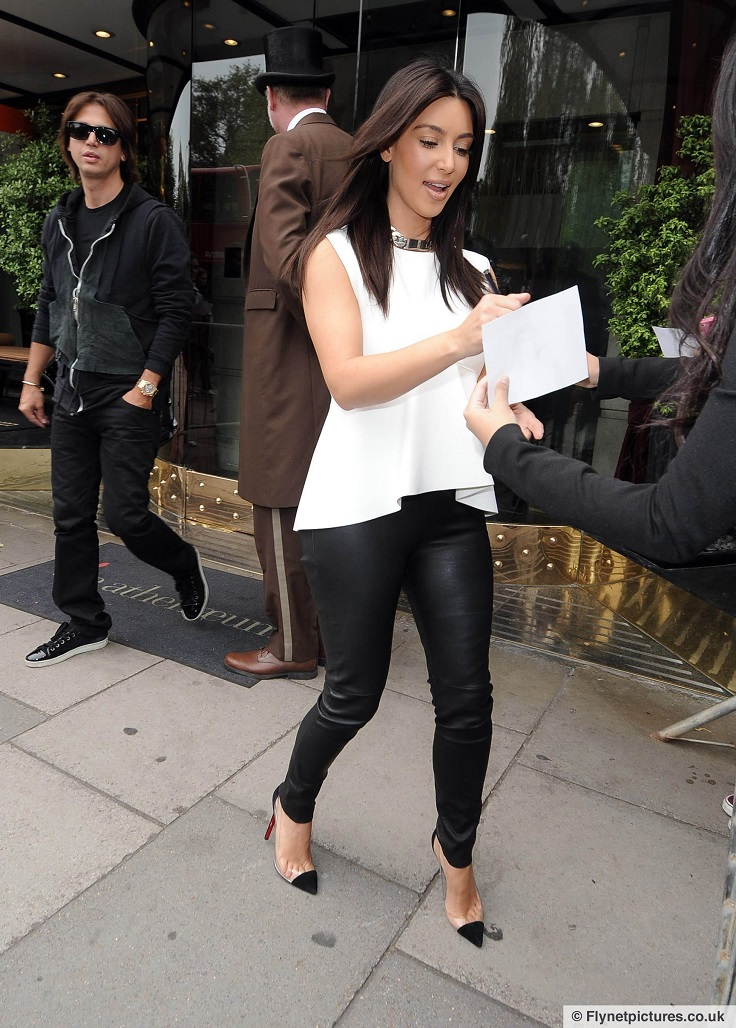 Top 10 Best Kim Kardashian's Outfits - Top Inspired