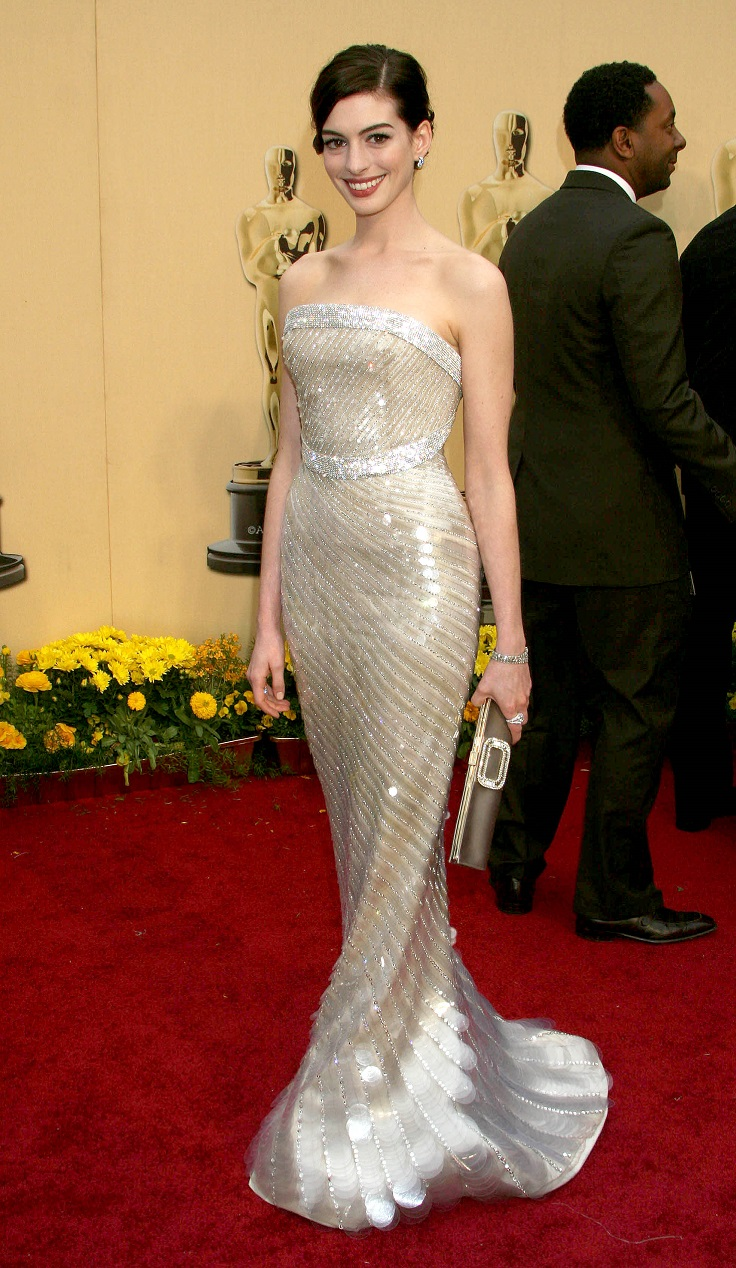 best-oscar-dresses-of-all-time_03