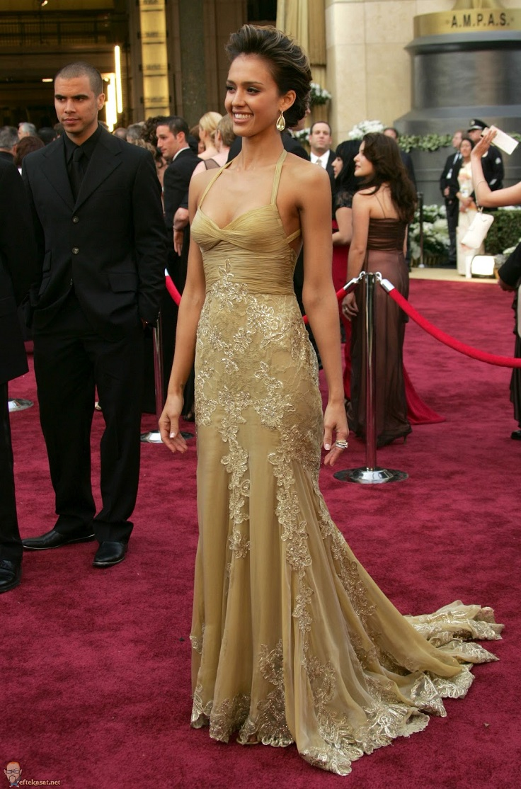best-oscar-dresses-of-all-time_10