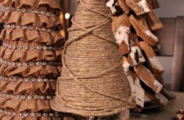 Top 10 Rustic DIY Burlap Projects for Christmas   Top Inspired