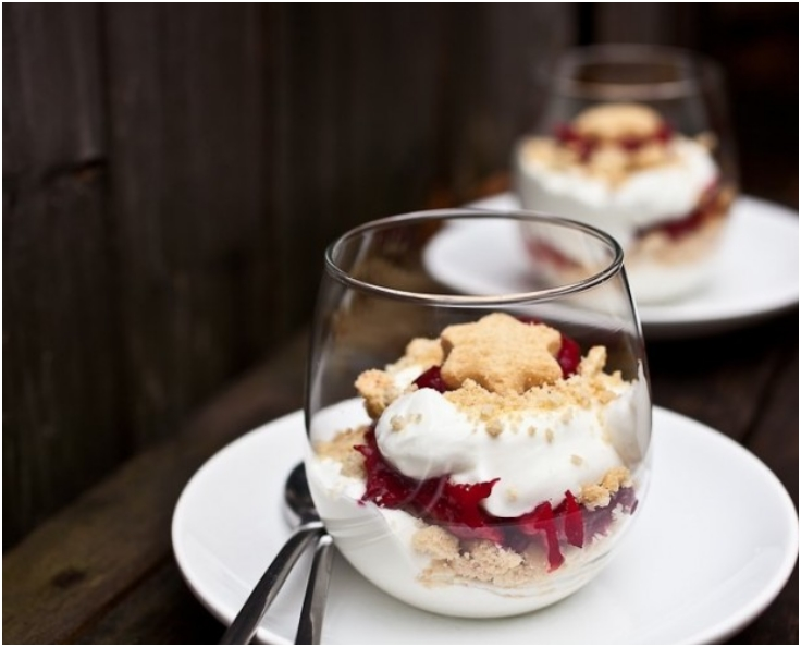 Top 10 Light And Tasty Christmas Desserts In A Cup Top
