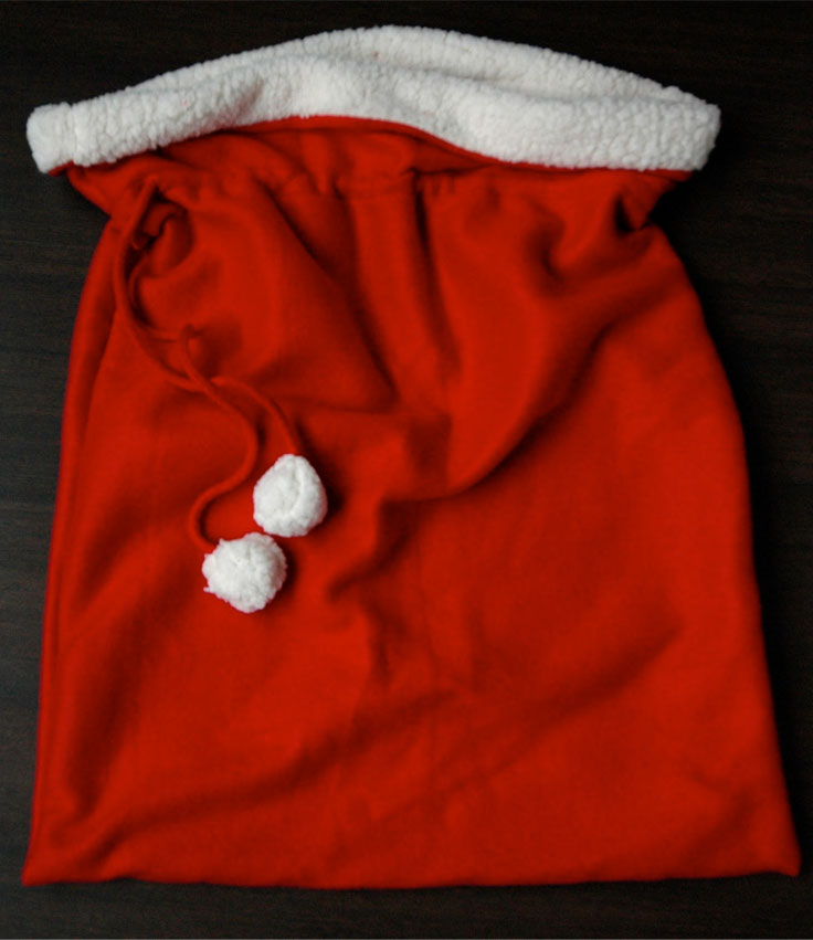 top 10 diy christmas gift bags top inspired. Black Bedroom Furniture Sets. Home Design Ideas