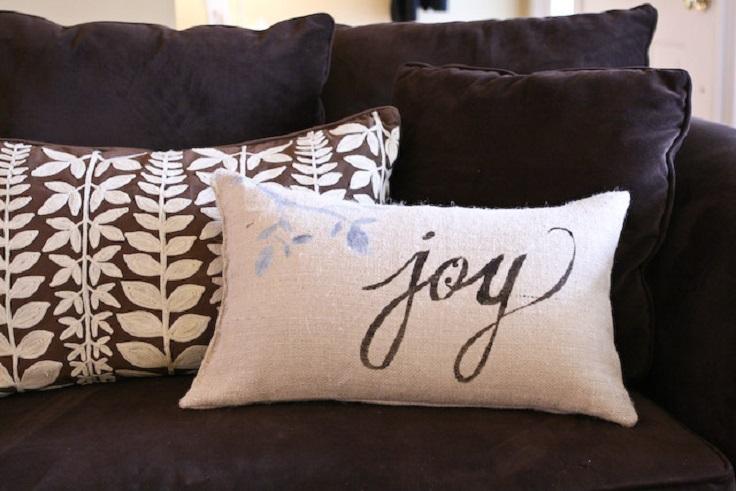 Top 10 Adorable DIY Christmas Pillows