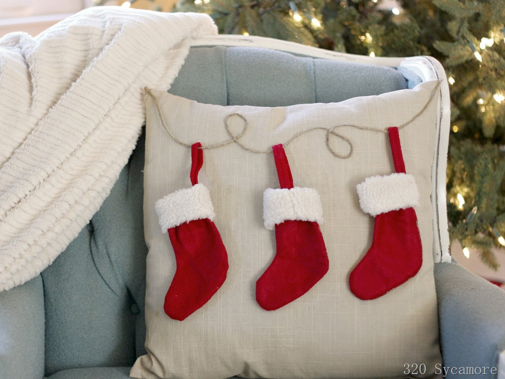 easy-pottery-barn-knock-off-stocking-pillow3