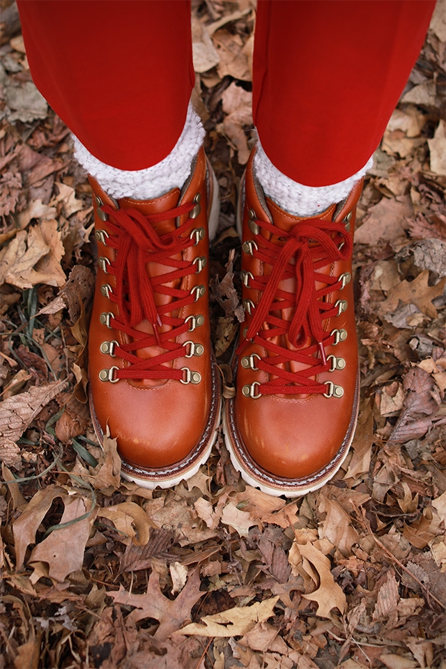hiking-boots-