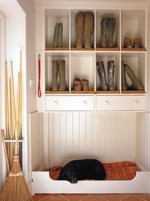 mudroom-dog-house-