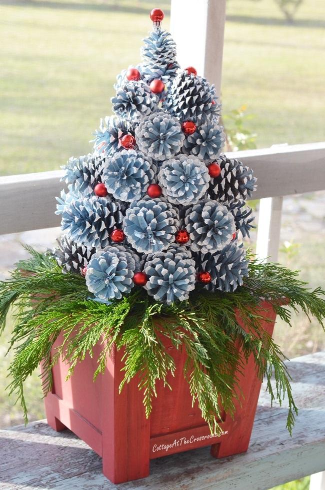 pinecone-tree-056