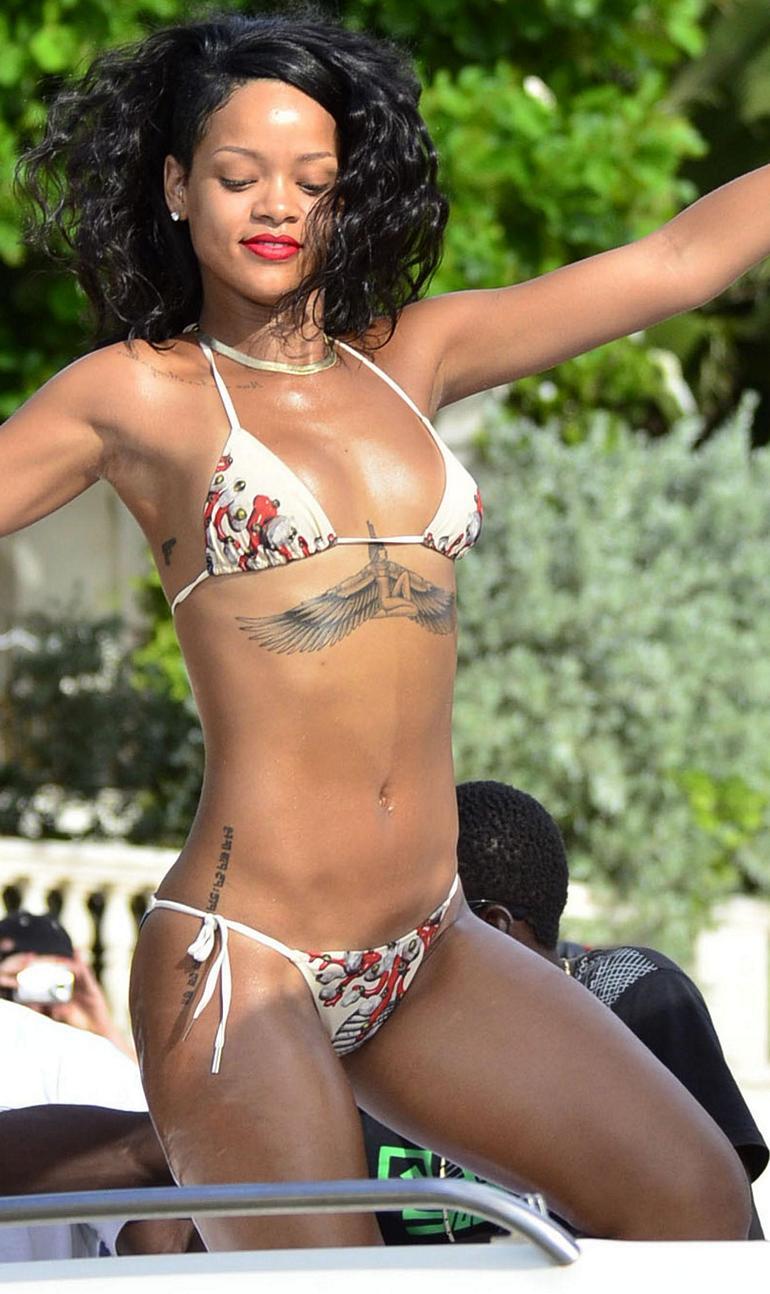 Top 25 Best Celebrity Bikini Bodies Top Inspired