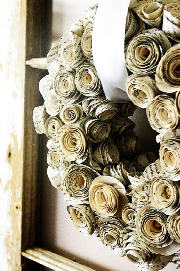 Top 10 diy ways to decorate with vintage book pages top for Antique books for decoration