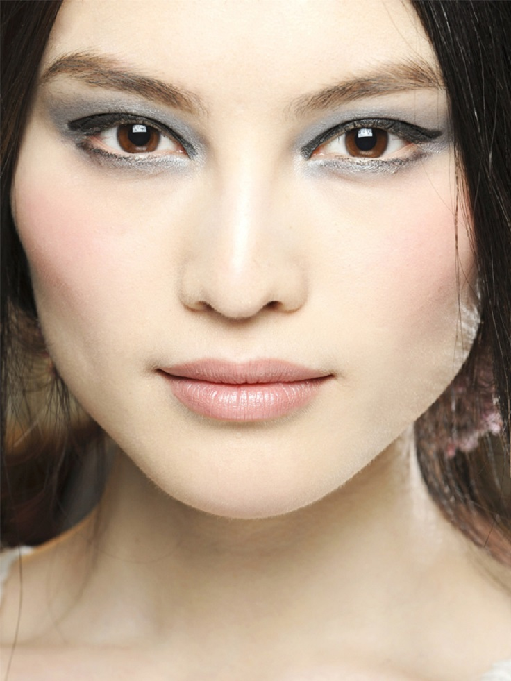 7-romantic-metallic-makeup