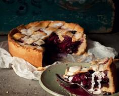 Apple, Ginger & Blueberry Pie