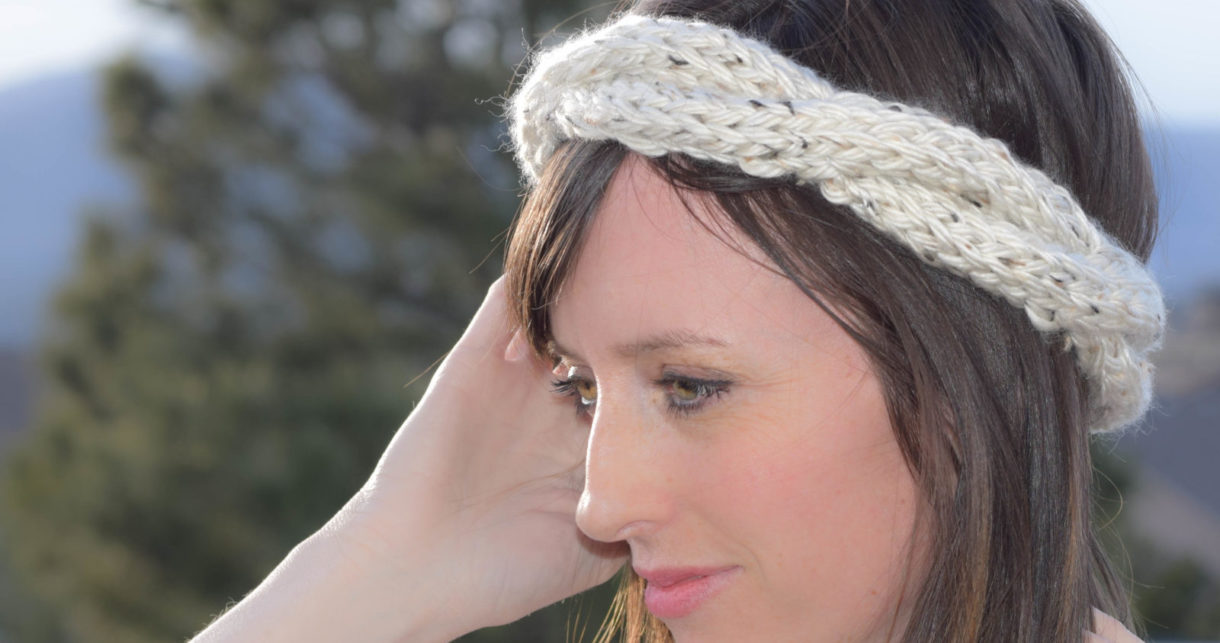 Cabled-Knit-Chunky-Easy-Headband-Pattern-1220x643-1