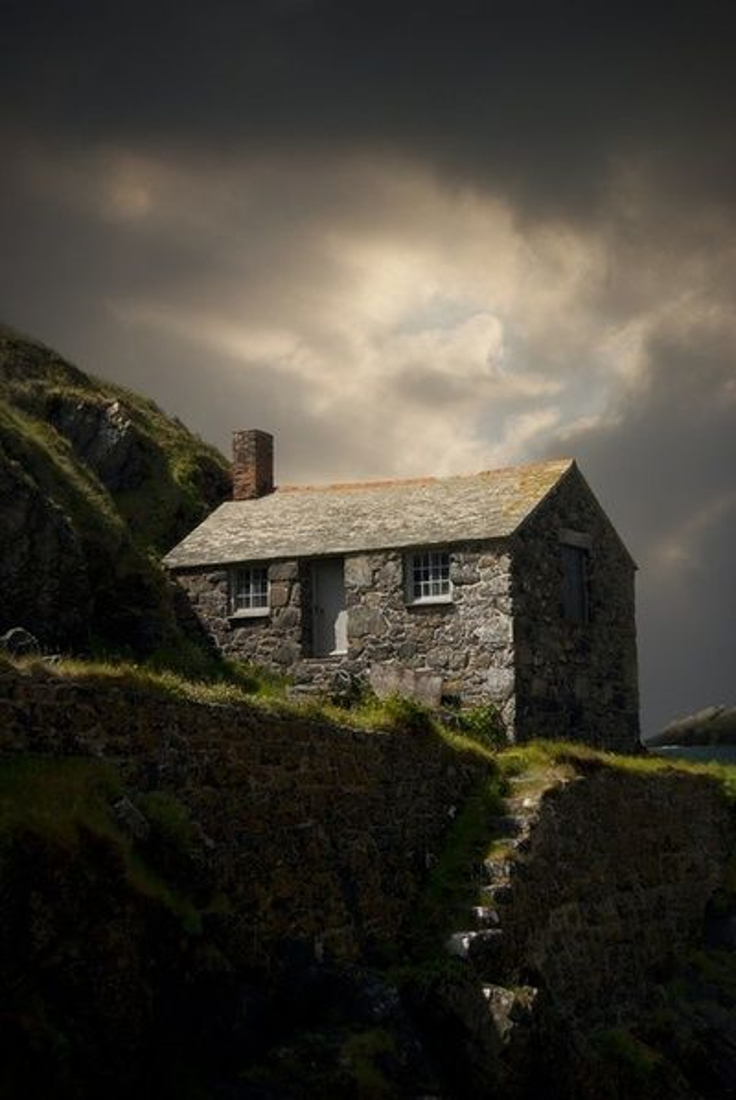 Top 10 Most Astonishing Rustic Houses In The World | Top Inspired