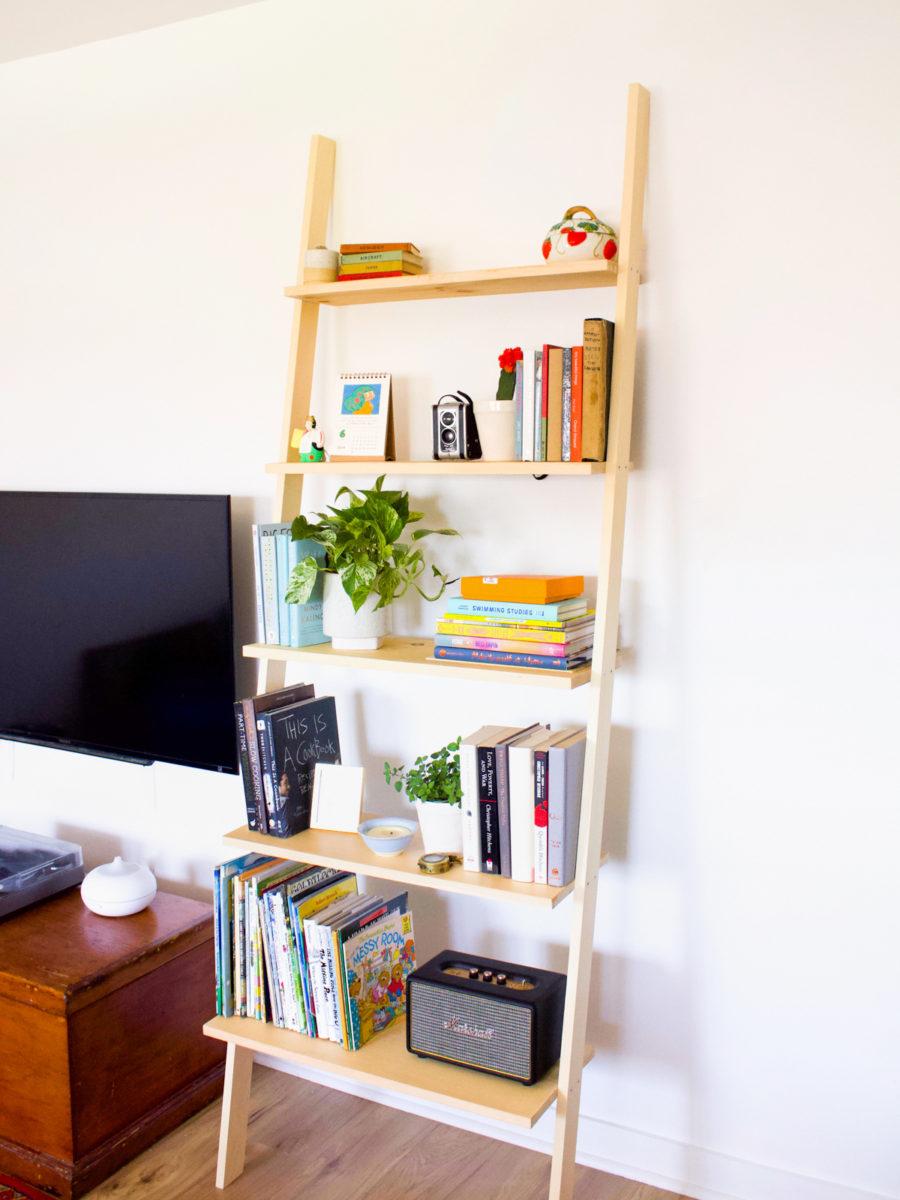 DIY-Leaning-Ladder-Bookshelf-12-900x1200-1
