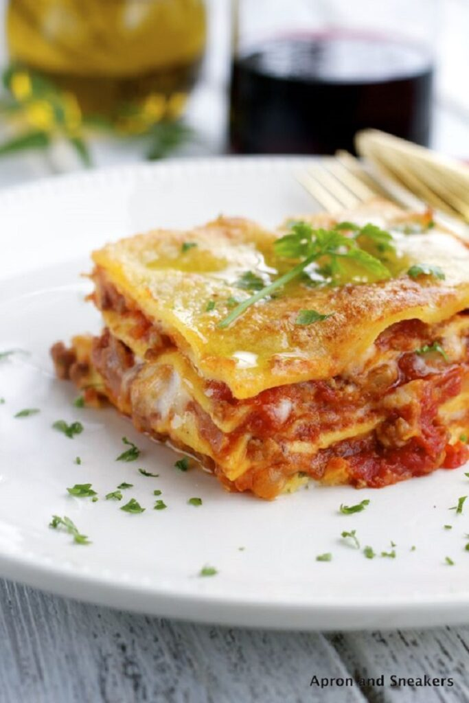 Top 10 best lasagna recipes top inspired - Couche lasagne bolognaise ...