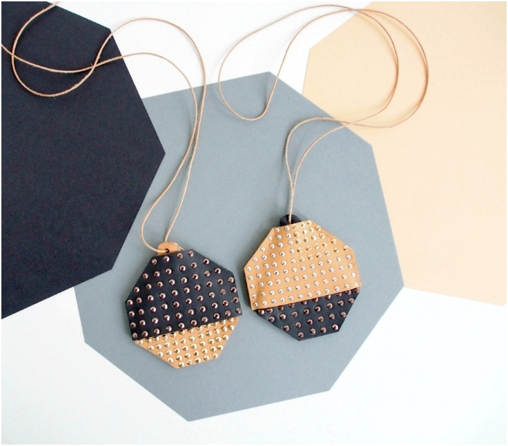 Leather-Necklace-Pouch